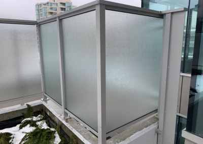 exterior-frosted-glass-railing-vancouver