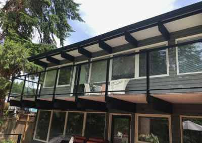 residential-house-glass-deck-railing-vancouver