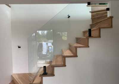 frameless-glass-staircase-railing-vancouver