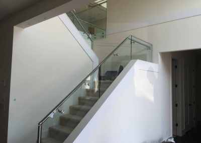 stand-off-glass-staircase-railing-burnaby