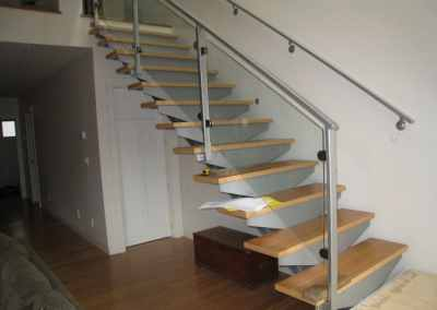 frameless-glass-stair-railing-west-vancouver