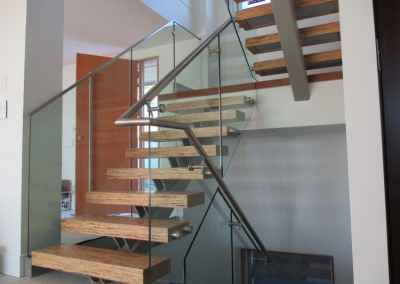 glass-stair-railing-north-vancouver