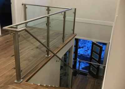 interior-deck-and-staircase-glass-railing-vancouver